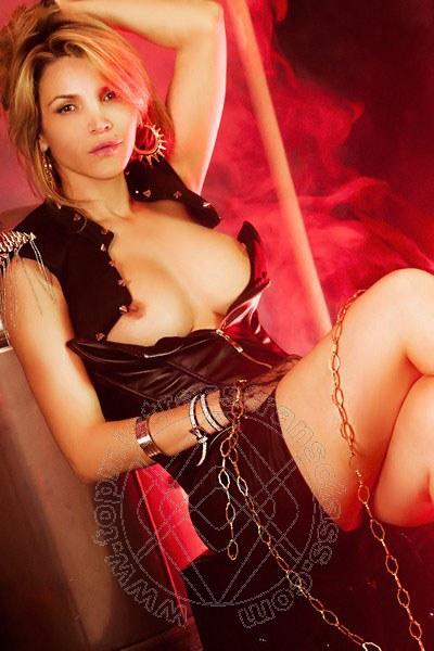 Lady Amanda Oliver  COMO 388 9946874